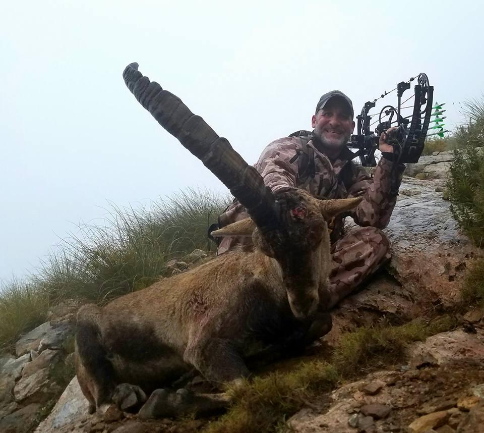 Matt with his huge 1 horned Rhonda Ibex