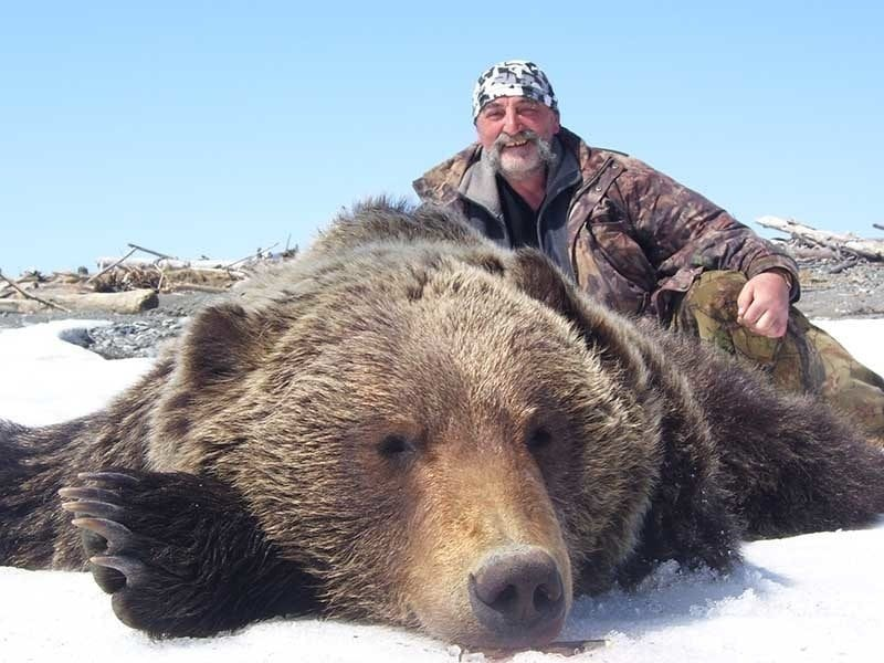 Sergey with a great Siberian Brown Bear